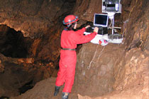 Continuous monitoring of temperature, relative humidity and dew point of air in the Gombasecká Cave (Photo: J. Zelinka)