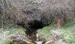 Znečistené vody Oraveckej vyvieračky, Ponický kras. Foto: P. Bella